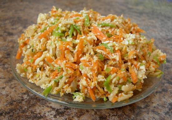 Pileća-salata-sa-susamom