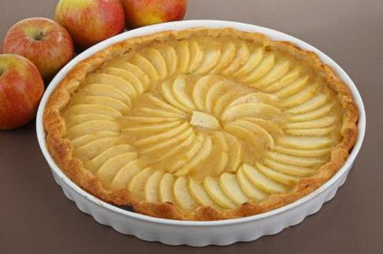 kolač od jabuka s mladim sirom