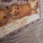 Snikers kolač sa kikirikijem