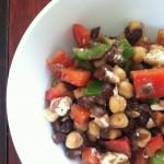 Salata od pasulja, paprike i sira
