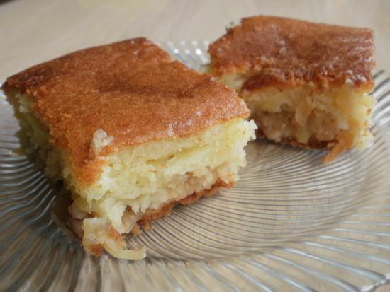 kolač s jabiukama i orasima