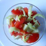 Salata od paradajza, krastavaca i paprike