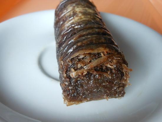 Baklava sa orasima i čokoladom