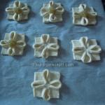 4-Cvetići-od-lisnatog-testa1