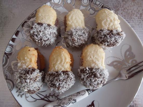 Keks sa čokoladom i kokosom