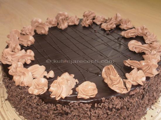 Fantastična čokoladna_torta