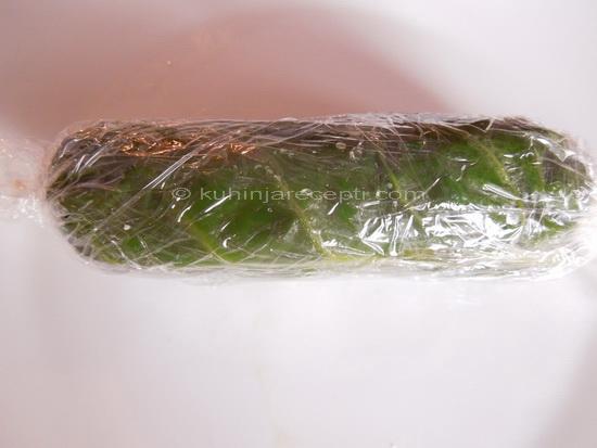 1 Slani pileći rolat sa susamomi i kikirikijem u blitvi