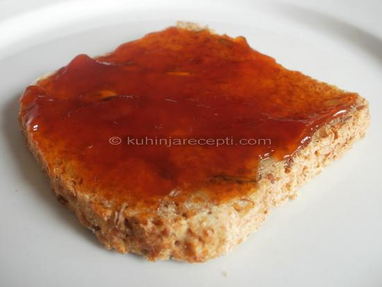 marmelada na hlebu