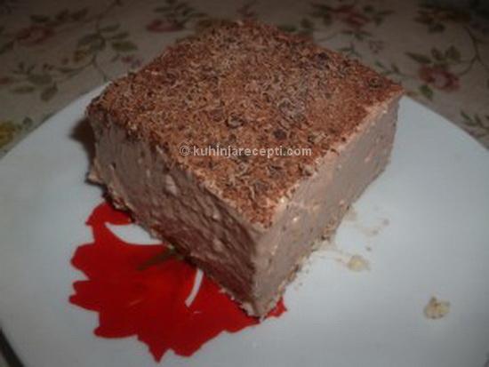 Kolac s keksom i piudingom