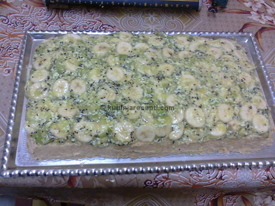 Posna Katarina torta s kivijem i bananom