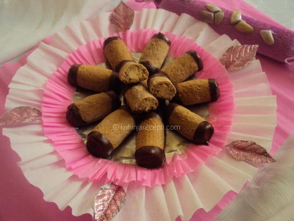 Čokoladne trubice s orasima