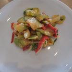 Salata od tikvica  paprike i luka