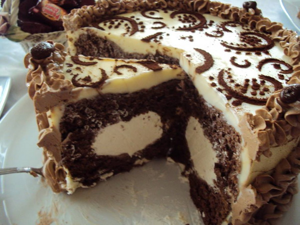 Torta s bijelom čokoladom