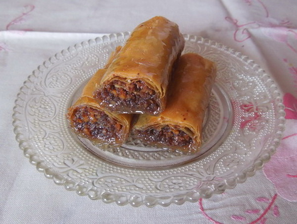 Urolane badem baklavice s plazmom