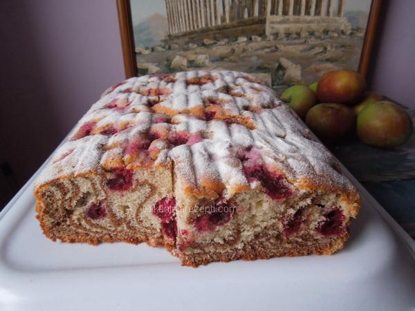 Mramorni kolač s višnjama