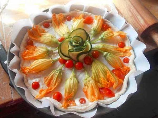 Pica sa cvetovima tikvica
