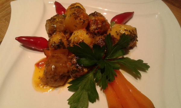 cufte-i-zacinjeni-krompir-iz-rerne