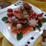 Salatica s piletinom