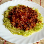 Špageti od tikvica s prelivom