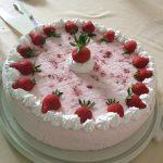 Jogurt torta s voćem