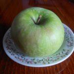 Kolač sa jabukama i cimetom