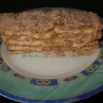 Keks torta sa filom od oraha