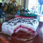 Malina torta s kiselom pavlakom