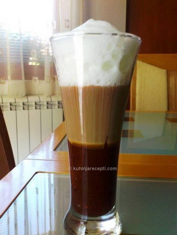 Desert snickers latte