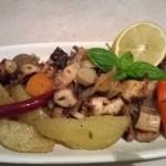 Hobotnica s povrćem i belim vinom