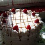 Uspravna torta s malinama