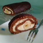 Cokoladna rolada s kremom od bijele cokolade
