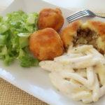 Ćufte od pire krumpira punjene mljevenim mesom i češljanci