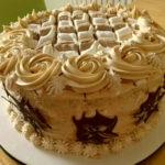 Karamel torta s lješnjacima