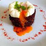 Crna riza sa gljivama