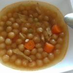 Pileća supa s biserima za supu