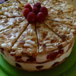 Oblak torta s malinama