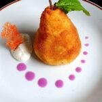 Pohana kruska od pire krumpira punjena teletinom
