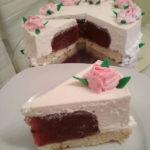 Torta sa želeom od šljiva i moussom od bijele čokolade