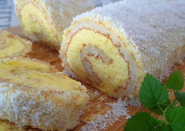 Kokos rolada s vrhnjem za šlag