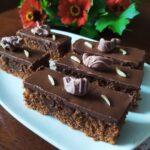 Čokoladni kolač s dva preliva